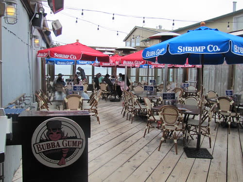Outdoor patio at Bubba Gump's