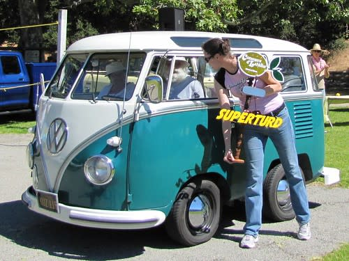 Shortened VW bus (Type II) accepts