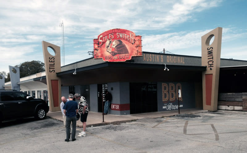 Stiles Switch BBQ Exterior, film location for Dazed and Confused.