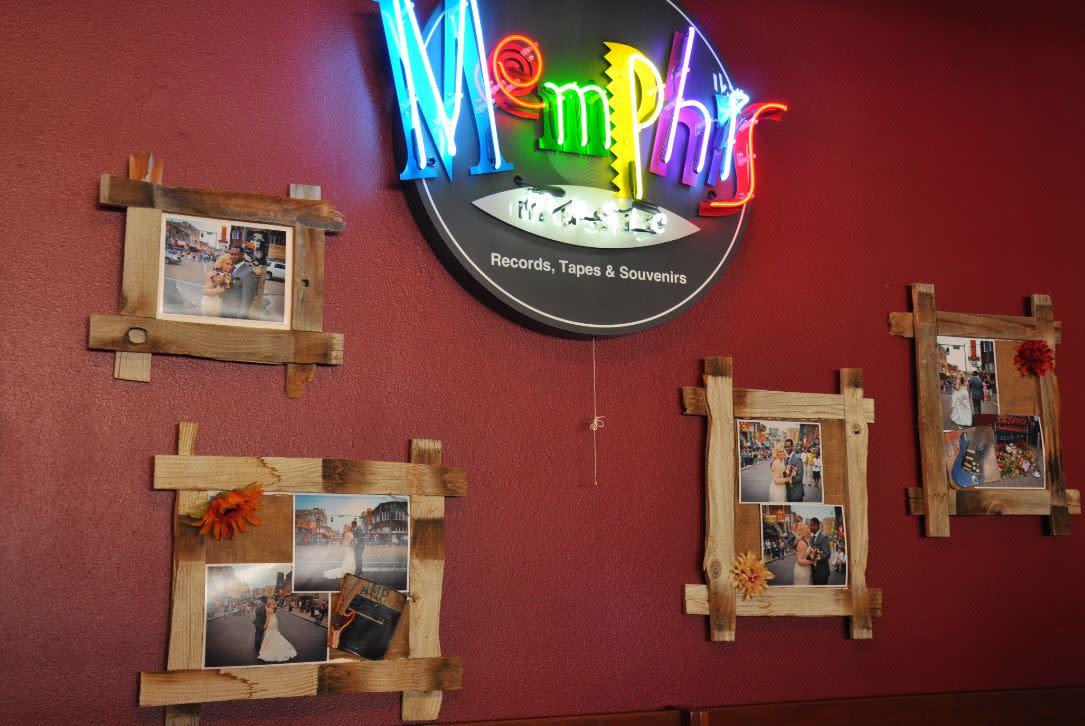 Memphis sign