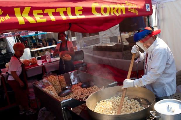 Man making kettle corn