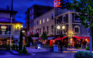 Fifth Street Market at Night by Mike Shaw - RIGHTS FREE