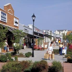 DED Leesburg Corner Premium Outlets