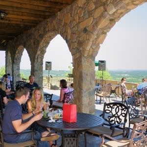 Visit Loudoun Credit Chris Stark-Bluemont Vineyards- part of wineries with a view itinerary