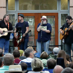 Acoustic on the Green USE