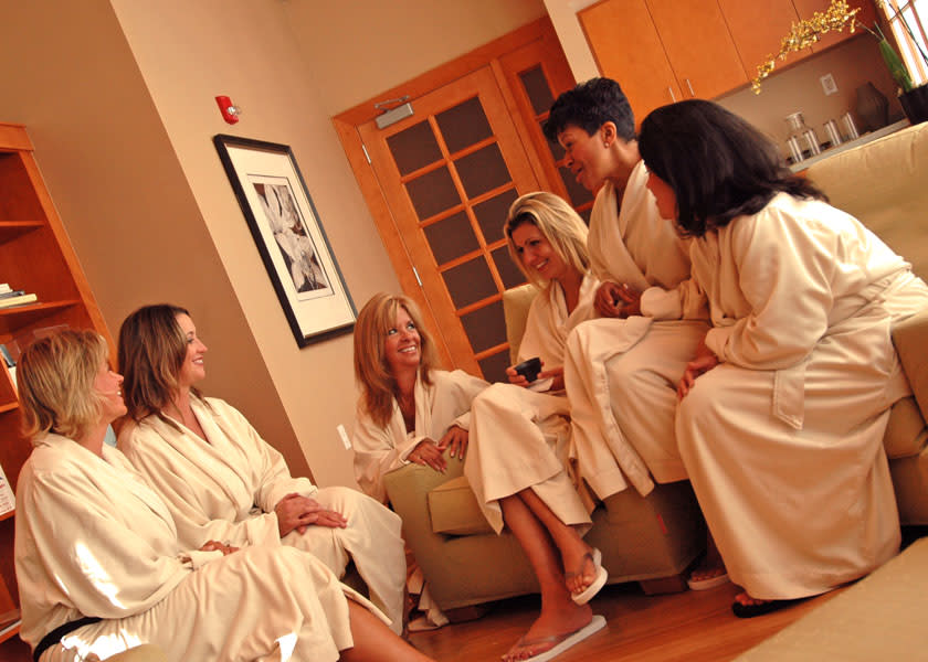 CJ Girlfriends Medical Spa at Nova low-res