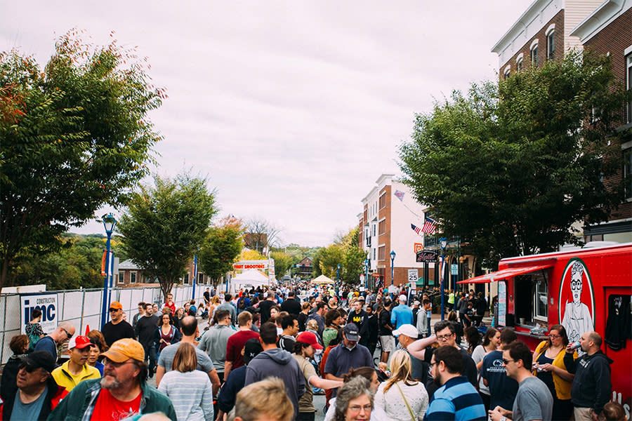 30+ food trucks?! count us in