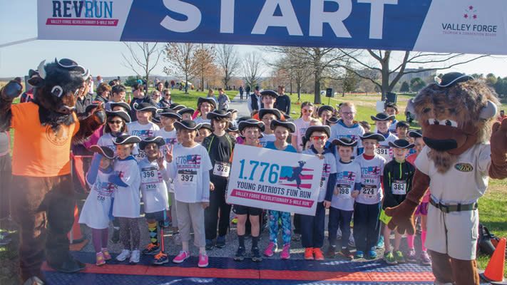 Hari Tadpatri (#396) with the rest of the runners in the Young Patriots Youth Fun Run.