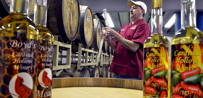 Cardinal Hollow Winery presents a wine education class on Friday, January 15.