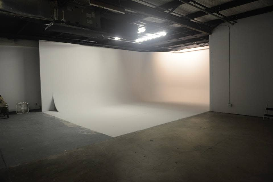 Vivian Studio 2