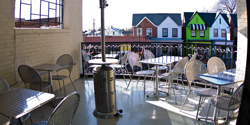 Outdoor seating area at the Xtras Cafe in Richmond,VA