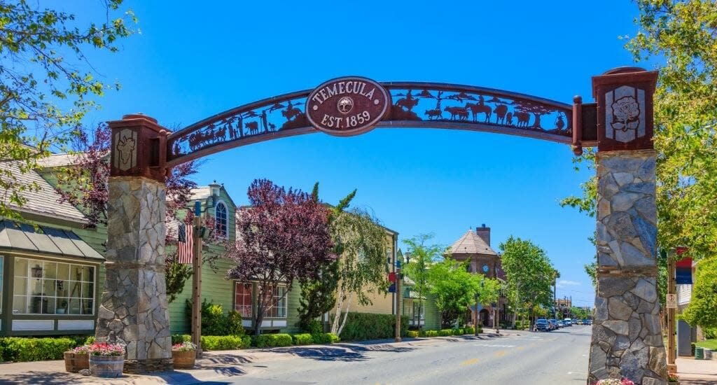 Metal Arch over Temecula Main Street, entrance to Temecula Old Town