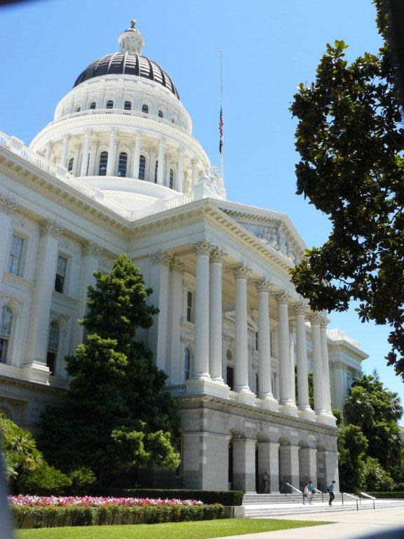 Our Hometown Tourists Visit the California State Capitol