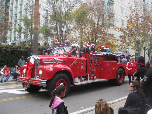 Sacramento's Santa Parade - photo by Helen Norris