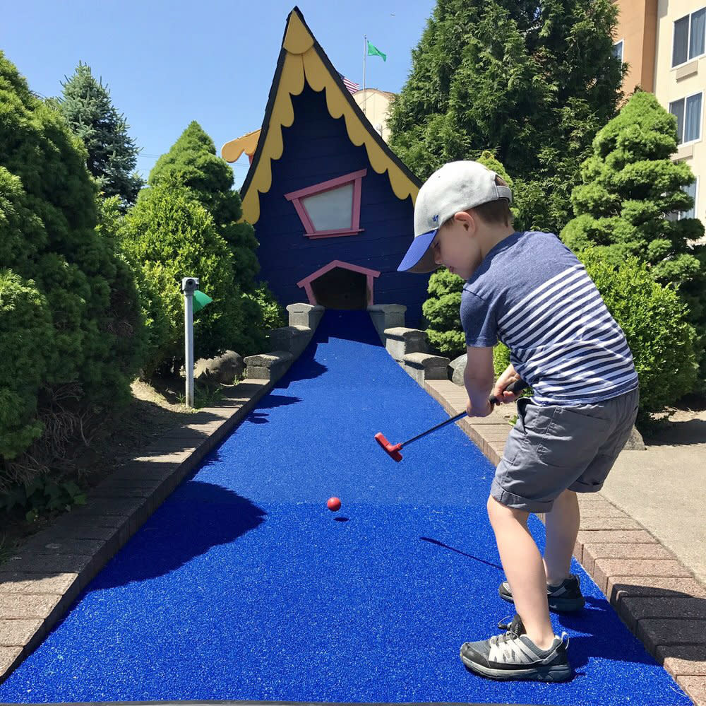 Seattle Miniature Golf at Family Fun Center in Tukwila