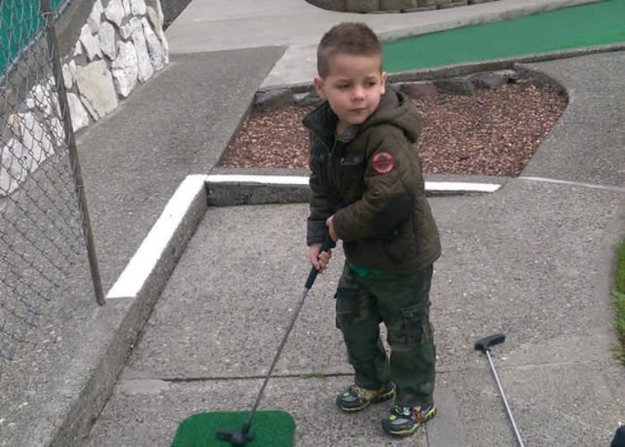 Seattle area Miniature Golf at Parkland Putters in Tacoma