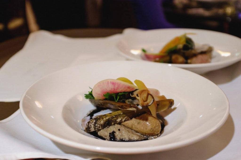 smoked sausage clam stew
