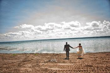 Jan Regan took this photo of a couple at Seneca Lake State Park