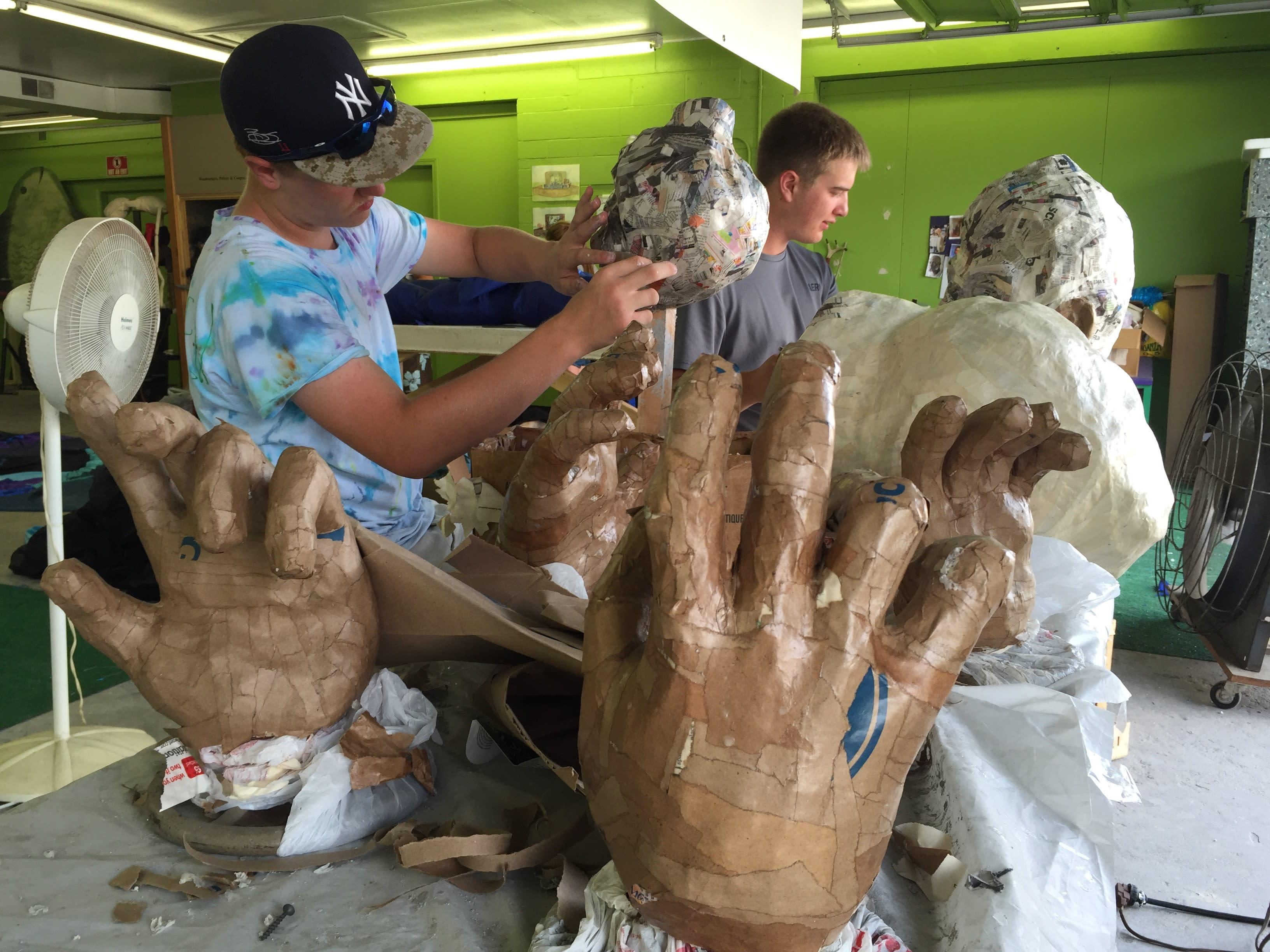 Puppet Show giant hands