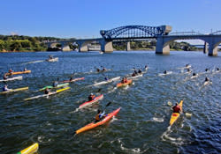 Canoe the Tennessee River