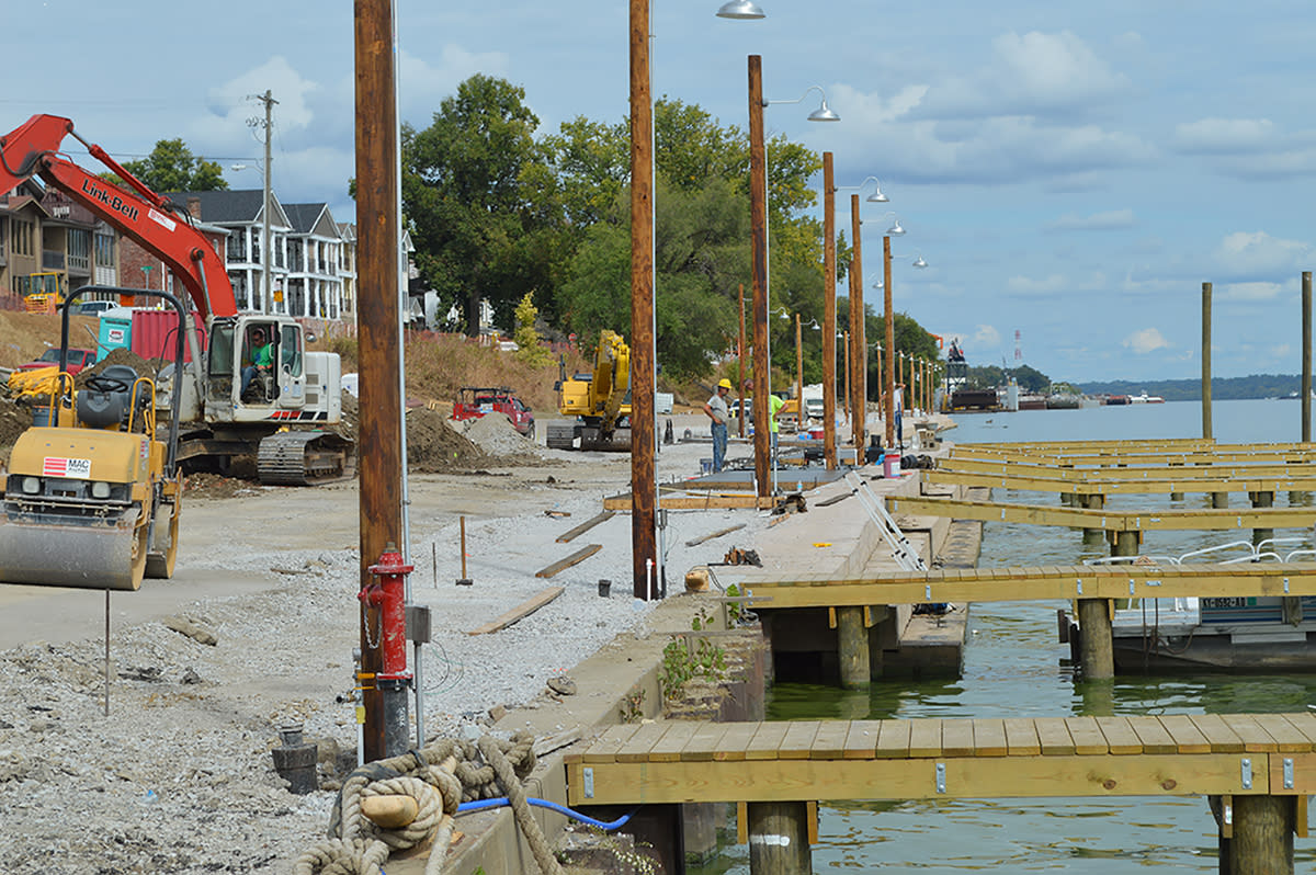 Work continues on Marina in Jeffersonville2 smaller