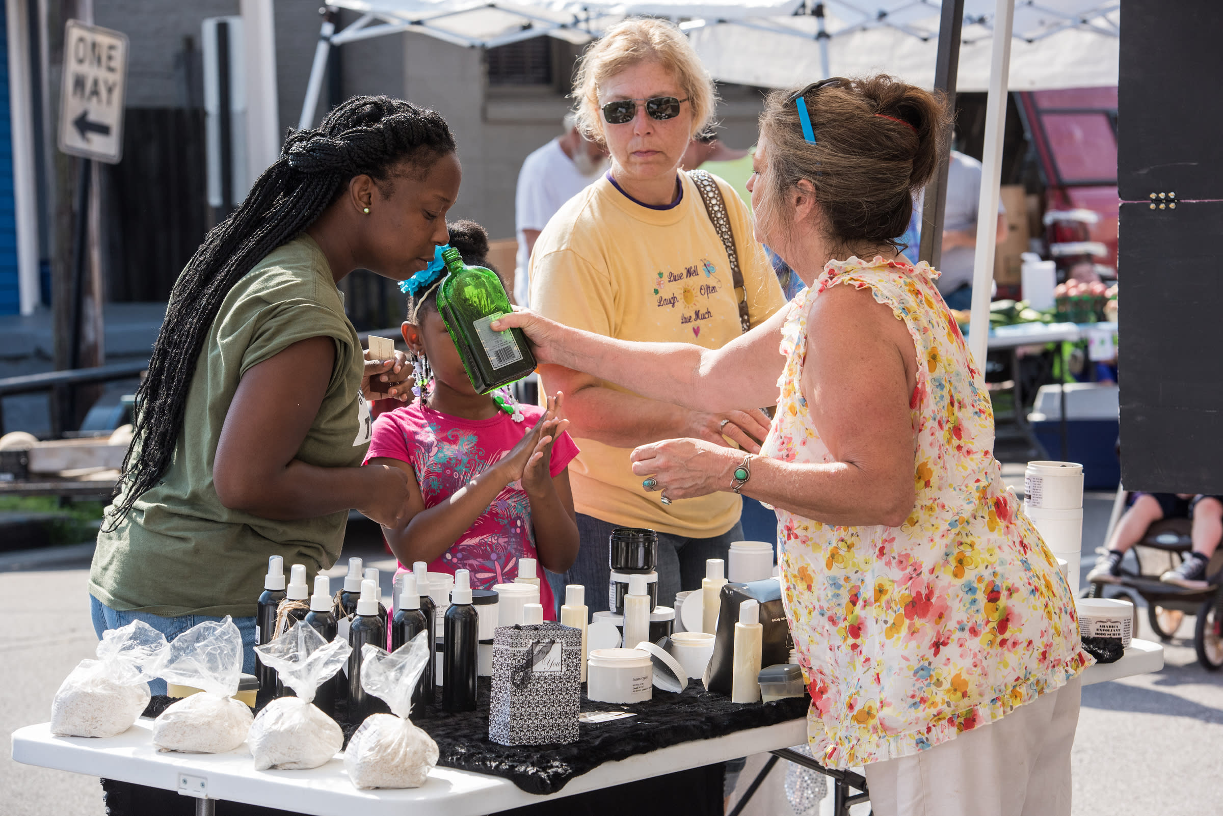 The New Albany Farmers Market, July 18, 2015 in New Albany, Ind. (Photo by Brian Bohannon)