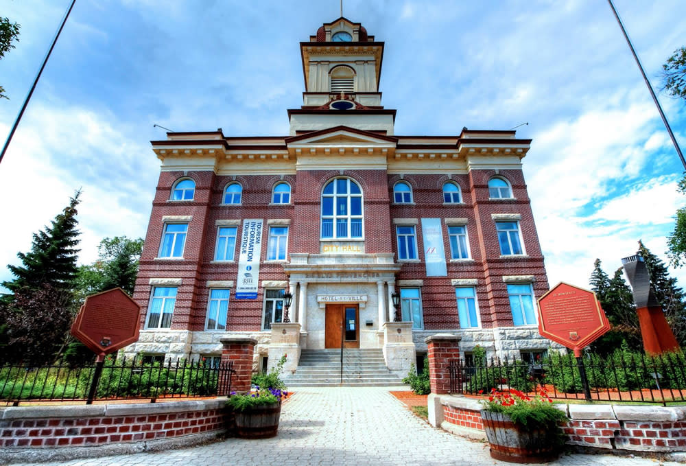 Guided Walking Tour of Old St. Boniface