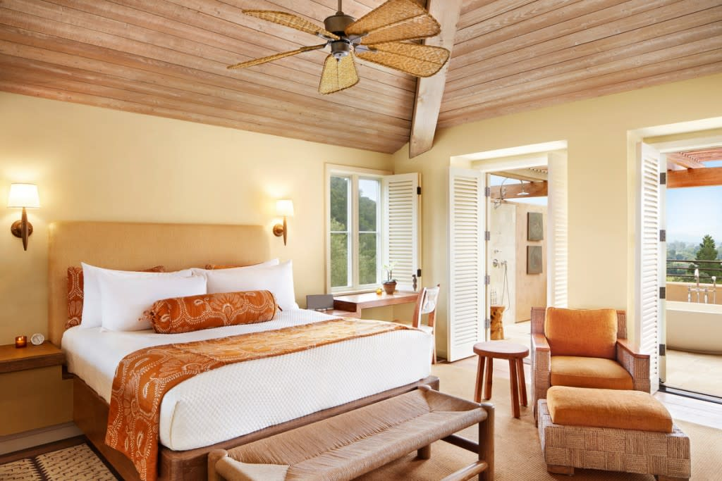 Napa Valley's Most Luxurious Rooms - Auberge du Soleil 4