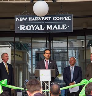 Mayor Angel Taveras Opens the Arcade