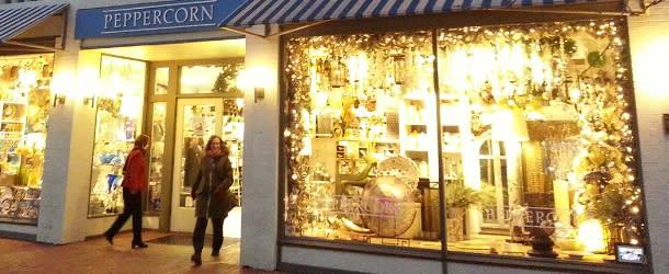 Winter shopping on Pearl Street Boulder