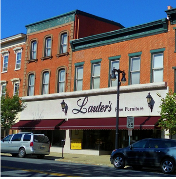 Lauters Store Outside