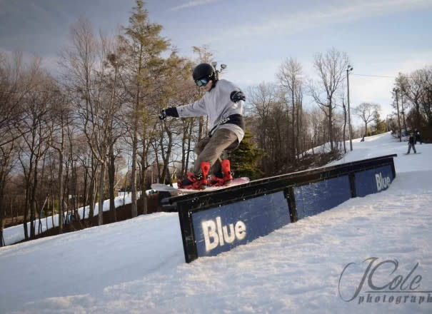 Snowboarding at Blue Mountain