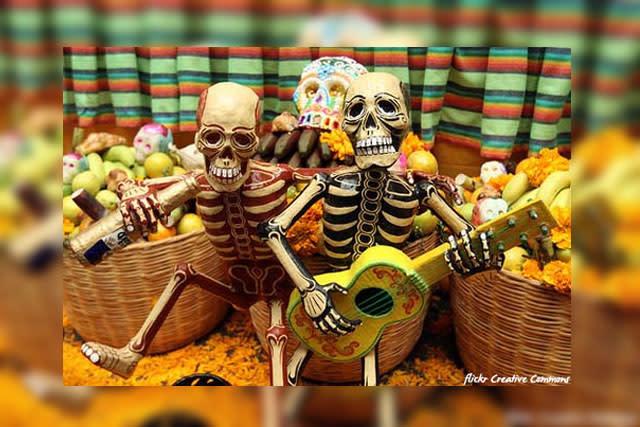 Skeletons Dia de los Muertos - Flickr Creative Commons