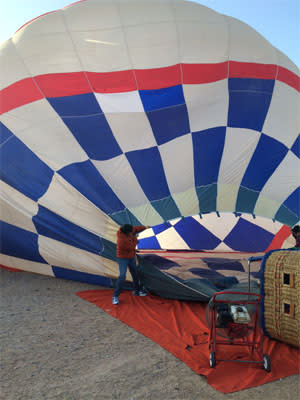 Balloon Inflating - Rainbow Ryders