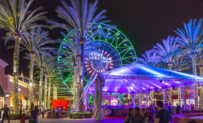 Ferris Wheel at Irvine Spectrum Center