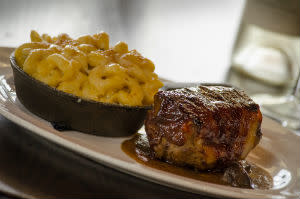 Meatloaf and Mac N Cheese at Fair Oaks Farms