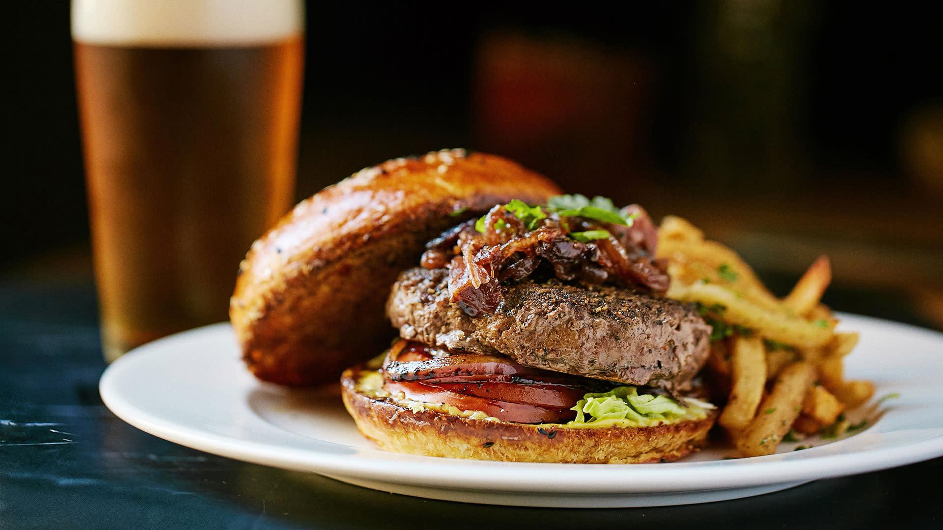 bacon jam burger at mr lyons