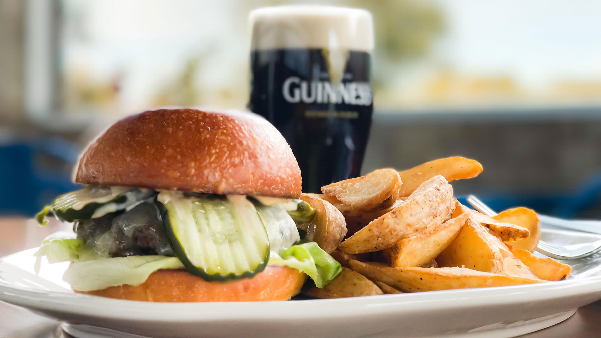 burger and guinness at fox and fiddle rancho mirage