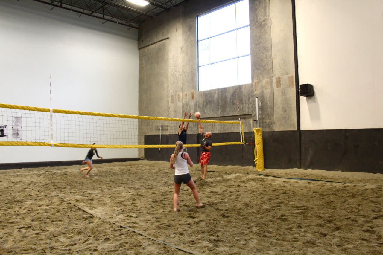 6 Pack Beach Volleyball