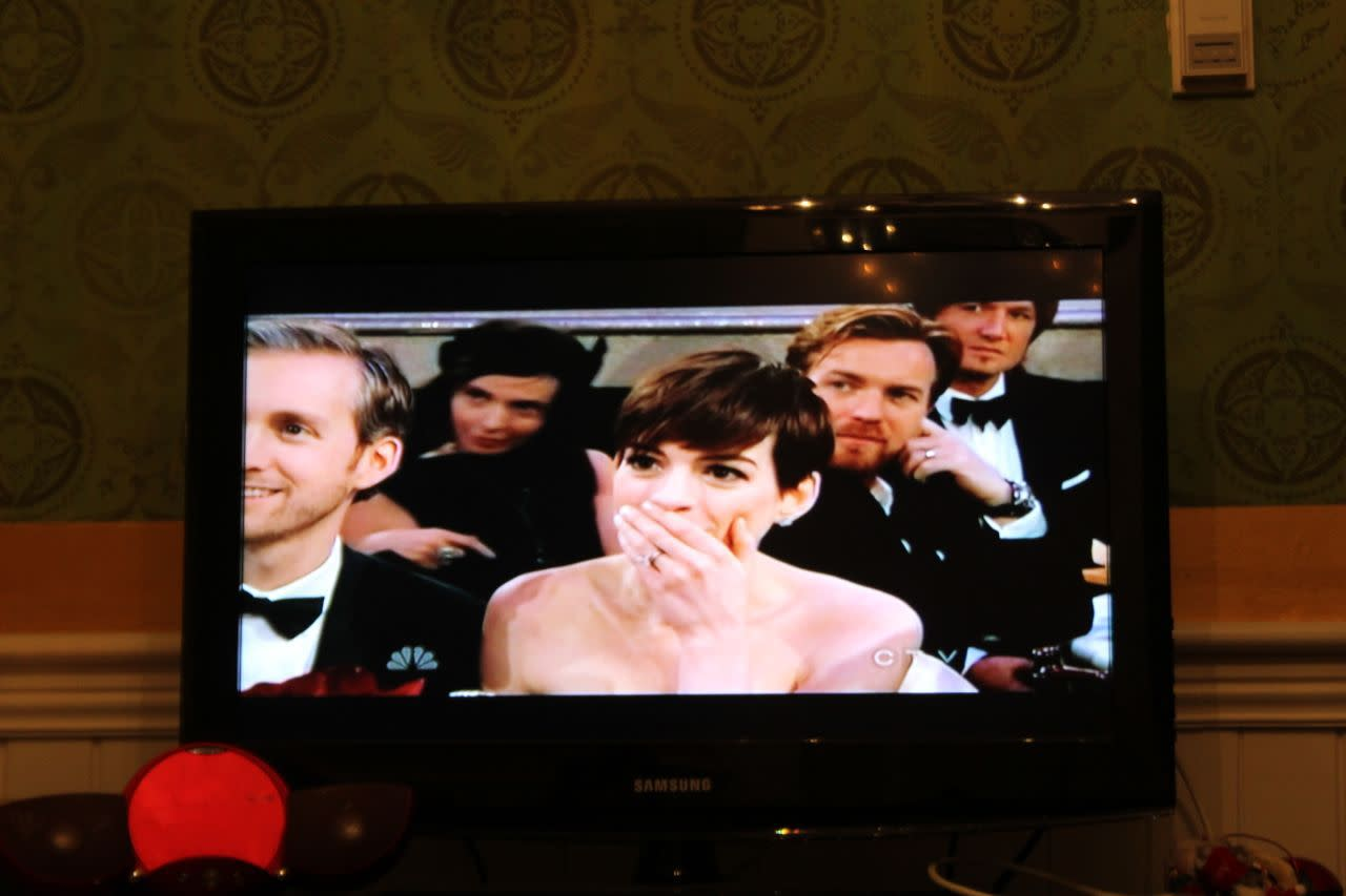 Anne Hathaway on the Golden Globes
