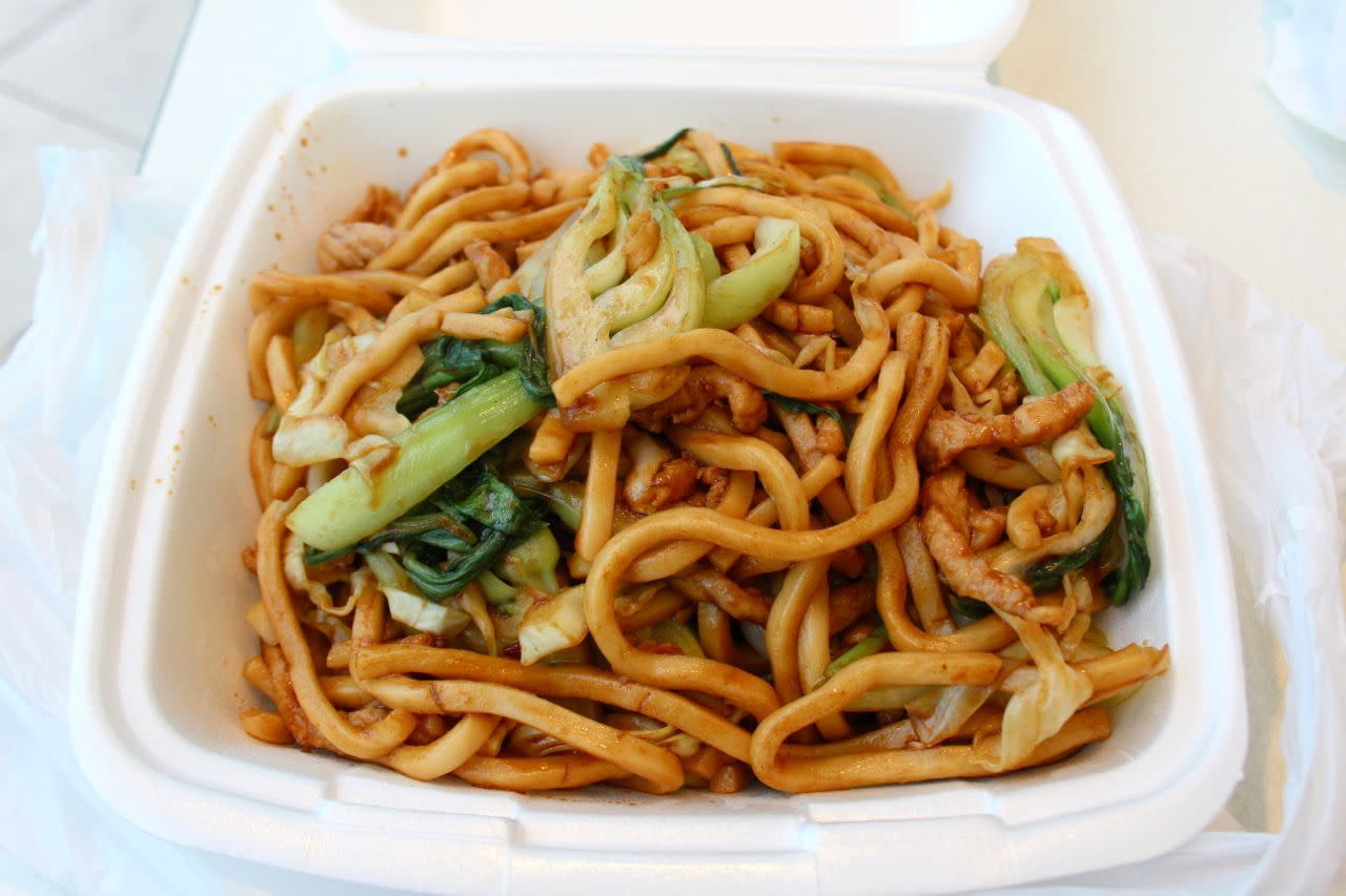 Shanghai fried thick noodles