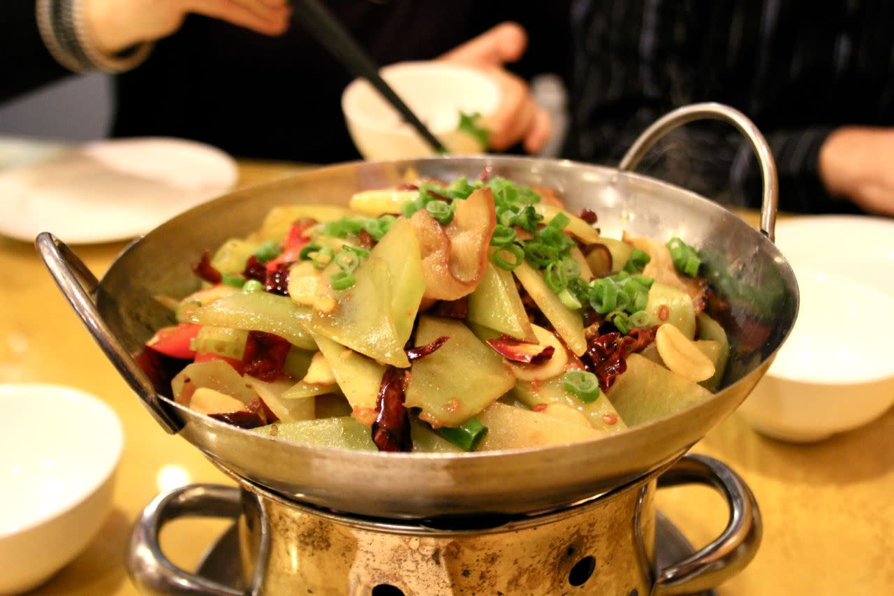 smoked pork and lettuce root hot pot