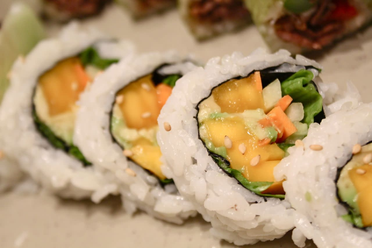 mango vegetable roll
