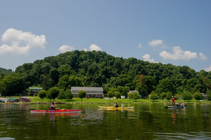 The natural beauty of the Susquehanna Riverlands makes it the ideal place for a spring paddle.