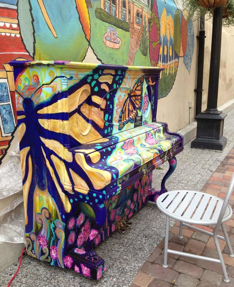 Pianos-about-Town-Enzios-Alleyway