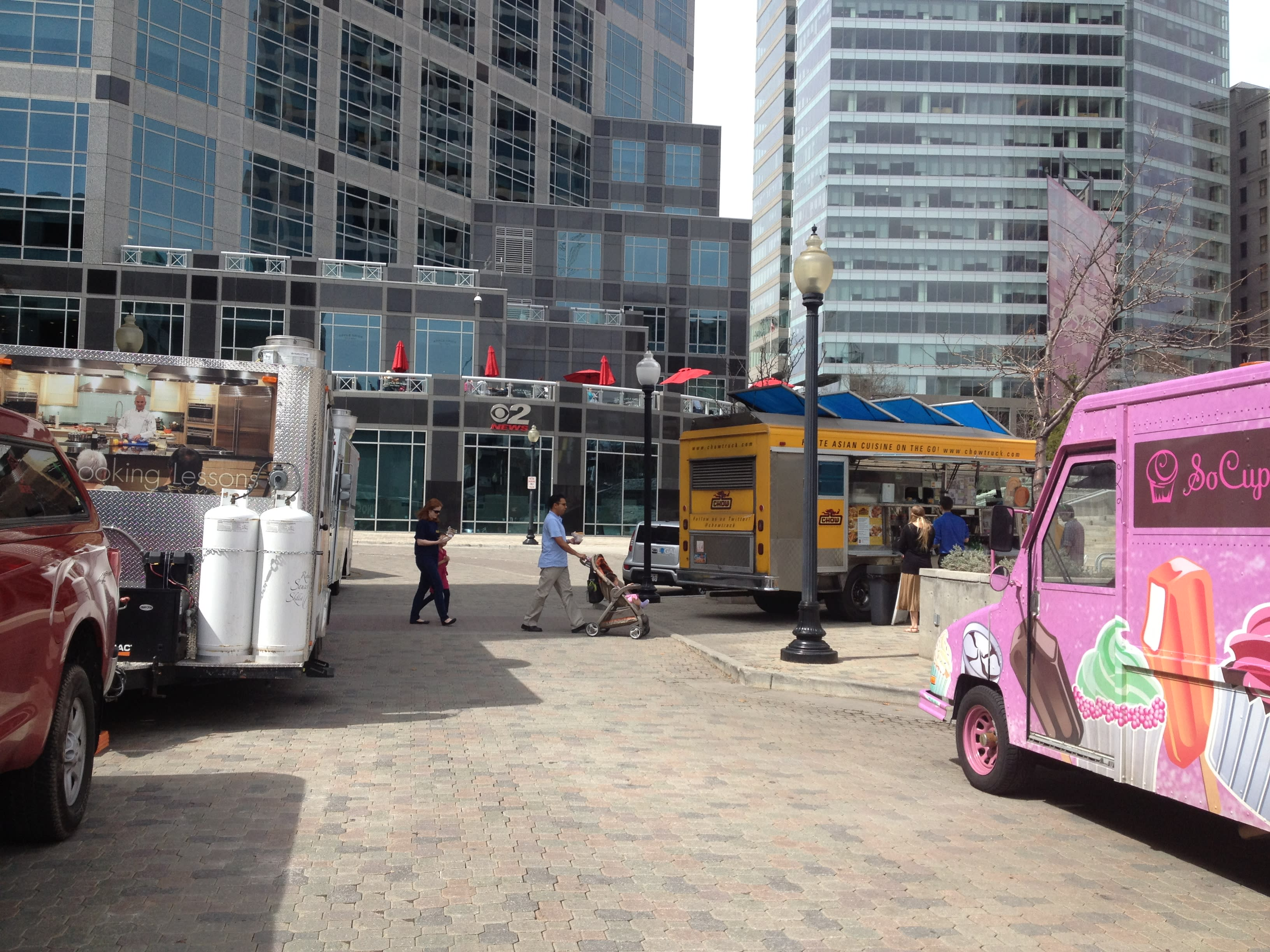 Food Trucks on Gallivan Avenue