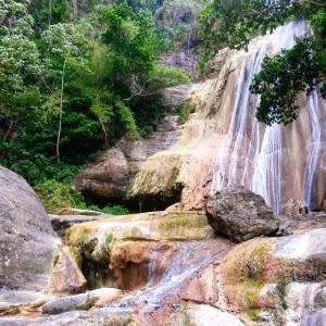 Tacky Falls. Photo credit @glengarden1