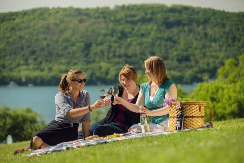 Keuka Lake Picnic at Ravines Wine Cellars photo courtesy of Stu Gallagher