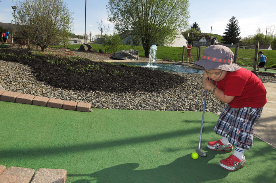 Mini Golf at Park Ave Sports Center
