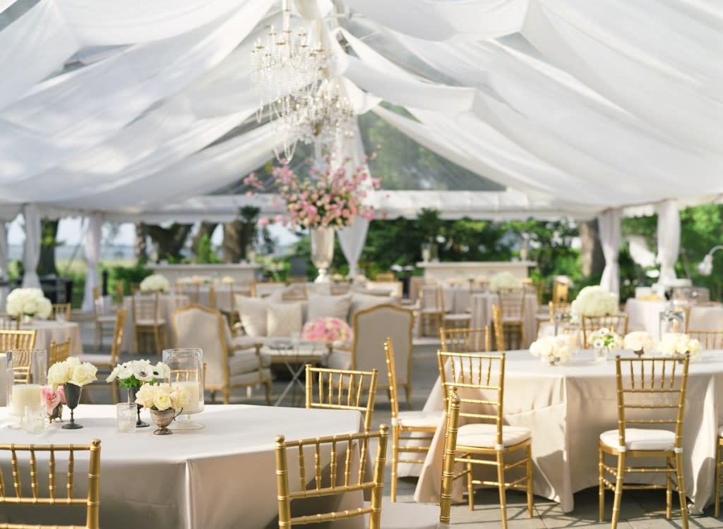 Tent-Wedding-Decor-03